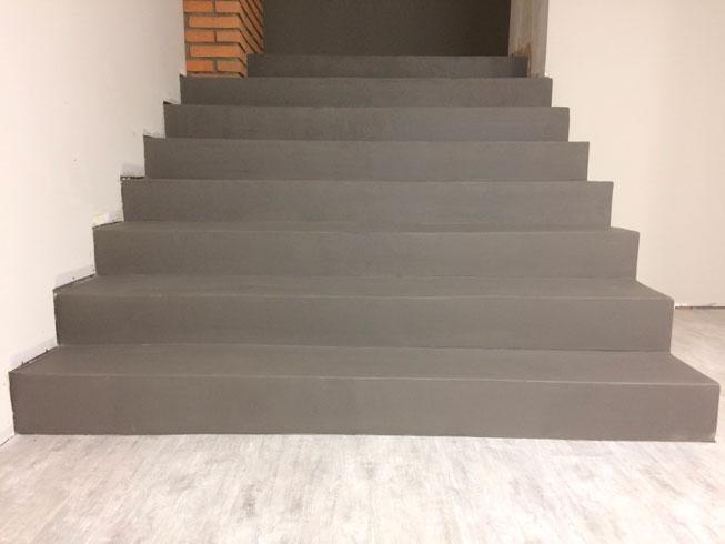 béton-ciré-escalier--1