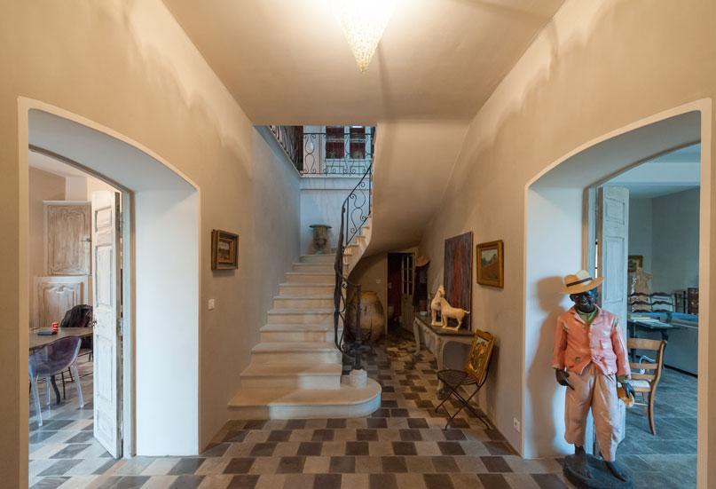 hall-d'entrée-chaux-ferrée-1